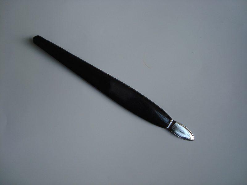 Инструмент за избутване на кожички