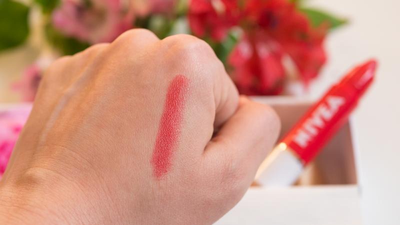 Nivea Crayon Lipstick Swatch
