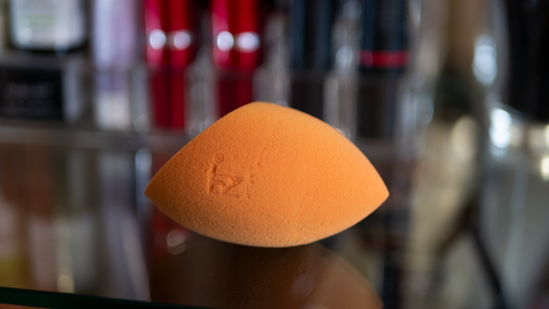 Real Techniques Base Beauty Sponge